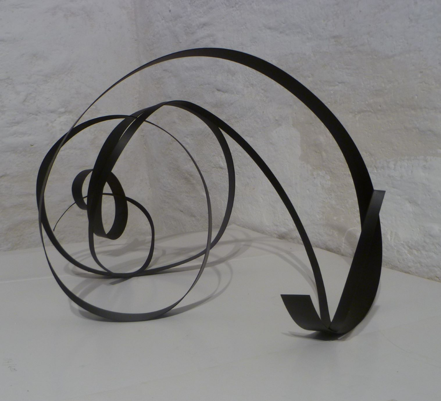 Ute Gortner, 2021, Stahlblech, schwarz lackiert