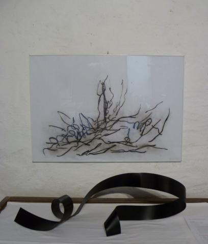Ute Gortner, 2019 Losgelöst I, Zeichnung mit Kreide; 2021, Skulpture